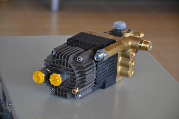 11778 pompa de inalta presiune actionata hidraulic hwb neron Pompa actionata hidraulic HWB 250 bar | NERON - Magazin Online Unilift Serv
