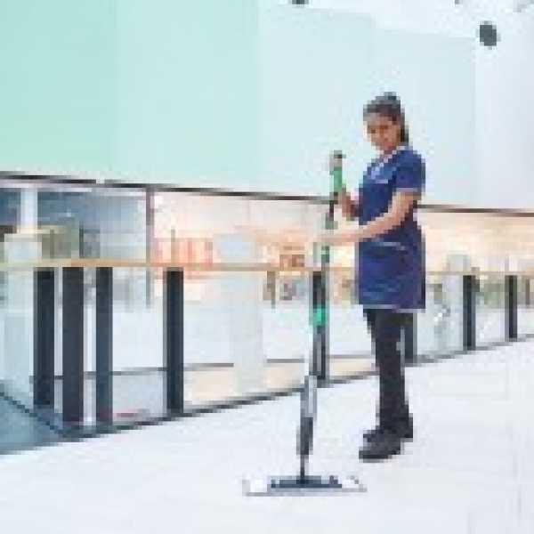 2768 kit curatare pardoseli fakt3 ergo clean unger Mop ergonomic cu pulverizator pentru curatare pardoseli | FAKT7 ErgoClean | UNGER - Magazin Online Unilift Serv