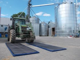 4821 covoare dezinfectante pentru rotile masinilor si camioanelor set 2 buc dewitte Acasa - Magazin Online Unilift Serv