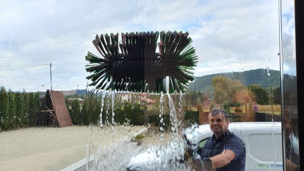 20190925 160347 scaled scaled Kit curatare geamuri la inaltime cu apa demineralizata 7.5 m | Ultra L GLA | Unger - Magazin Online Unilift Serv