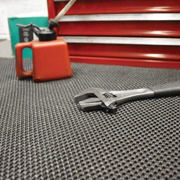 af grip safe vinyl workplace matting 3 Rola captuseala de protectie pentru bancuri de lucru 0.6 x 10 m | GripSafe | COBA - Magazin Online Unilift Serv